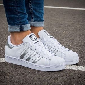 ⭐️ NWT Adidas Superstar Sneakers